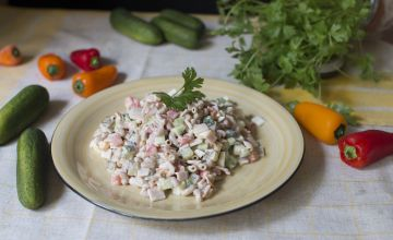 Makaronu-šķiņķa salāti